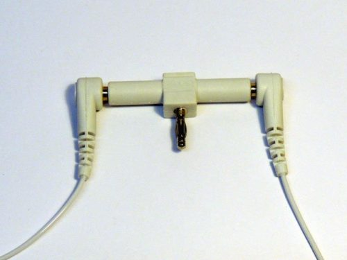 2-way splitter with earthing leads attached